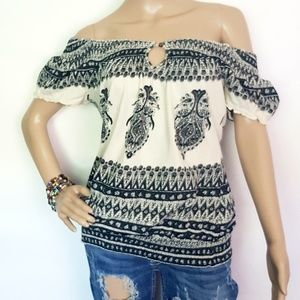 Lucky Brand Tops - Lucky Brand Boho Off the Shoulder. Small